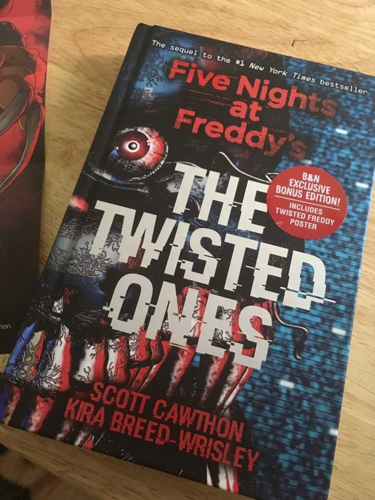 five nights at freddys, fnaf, five nights at freddy's, fans, gamer fans, book fans